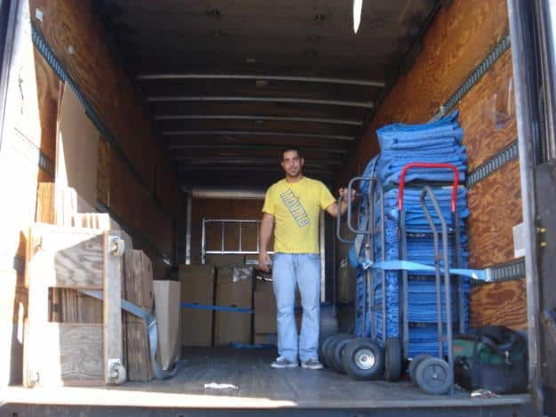 1310972781_229375874_1-Pictures-of--Movers-and-Moving-Company-Beverly-Hills-CA-90210-Call-3234172016