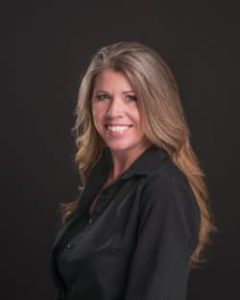 a headshot of Jennifer owner of Master Movers in Nashville Tennessee